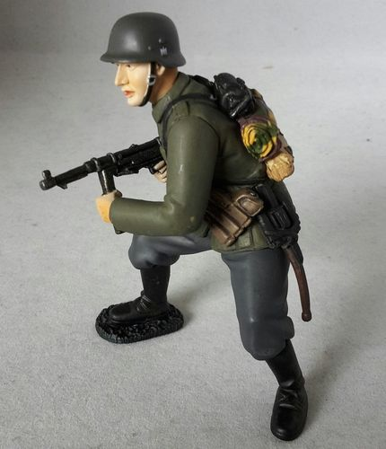 Tissotoys 12702 german soldier 9 cm Game Figures